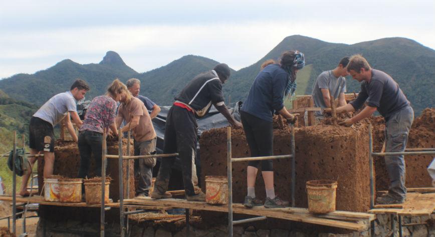 Bioconstruction volunteering in Brazil